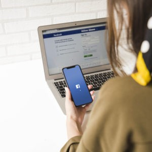 Community management Facebook Specialist-Wanted